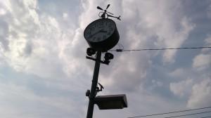 時計(逆光下)